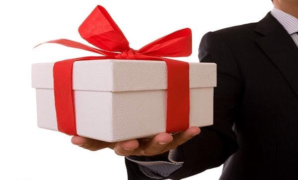 هدایای تبلیغاتی چه کاربردی در معرفی و تبلیغات کسب و کارها دارند؟