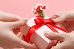 بسته بندی هدایای تبلیغاتی با جعبه های مخصوص بروز چاپ